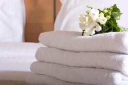 Какое постельное белье выбрать для номера отеля: требования к нему
