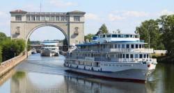 Почему стоит отправиться в речной круиз из Санкт-Петербурга: преимущества такого отдыха